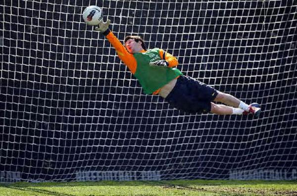 Leo-Messi-haciendo-de-portero-_54268195279_53389389549_600_396.jpg