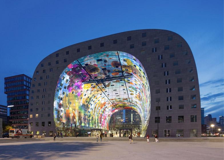 Markthal-Rotterdam-by-MVRDV-b_dezeen_784_14.jpg